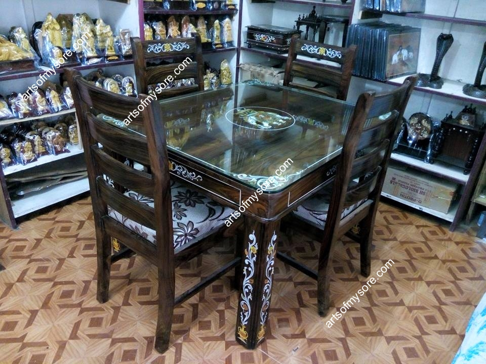 Rosewood Dining Table 45 Feet X With 4 Seater Capacity